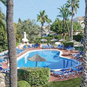 Las Palmeras shared luxury pool at La Manga Club